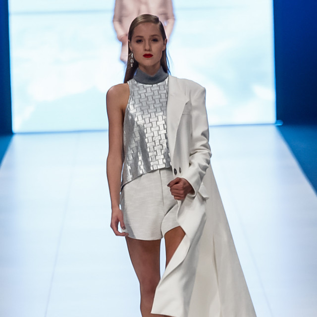 2015 Virgin Australia Melbourne Fashion Festival  Presented by ELLE Australia Supported by Rimmel at Priceline Pharmacy Fashion Label: Manning Cartell Accessories by: Equip Photographer: Audie de la Pena Editor: Ron Quinones