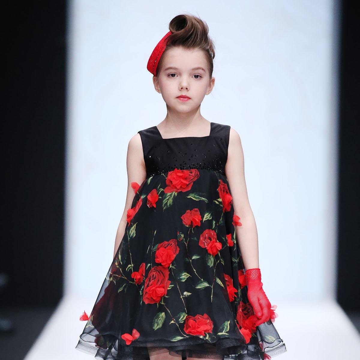 Вязаная детская мода 2018 фото